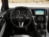 Салон Infiniti Q60 - комбинация приборов и рулевое колесо