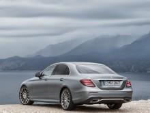 Внешний дизайн Mercedes E-Class 2016-2017 задняя часть