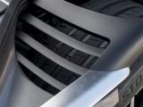 Аэродинамические прорези в крыльях Aston Martin DB11 2016-2017