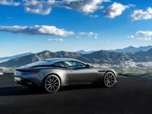 Оформление задней части Aston Martin DB11 2016-2017 фото