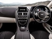 Внутреннее убранство суперкара Aston Martin DB11