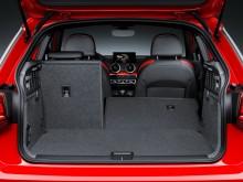 Багажник Audi Q2 с частично сложенным задним диваном