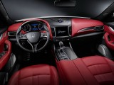 Интерьер Maserati Levante фото