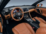 Обновленный интерьер Nissan GT-R R35 фото