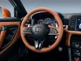 Новый мультифункциональный руль Nissan GT-R 2016-2017 фото