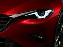 Стильная передняя оптика Mazda CX-4 2016-2017 фото