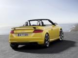Родстер Audi TT RS дизайн кормовой части