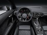 Салон родстера Ауди TT RS