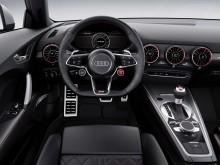 Оформление интерьера Audi TT RS фото
