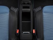 Удобный бокс между передних сидений Ситроен С4 Пикассо