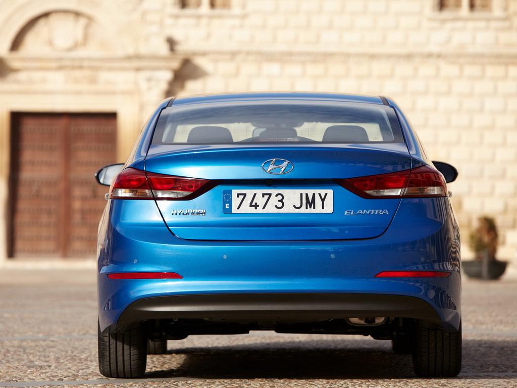 Hyundai Elantra 2018 новый кузов, цены, комплектации, фото, видео