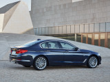 BMW 5-series Luxury Line 2017-2018 внешний дизайн
