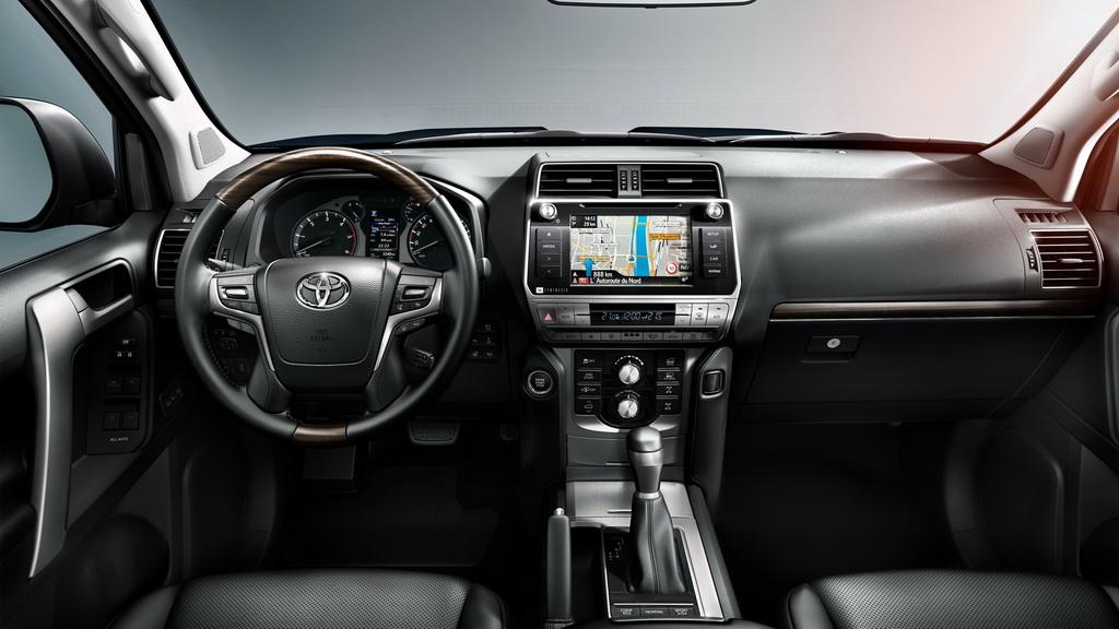 Toyota Land Cruiser Prado 2018-2019 - фото модели, цена и комплектации в России, характеристики Тойота Прадо 150 рестайлинг