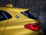Задние стойки с эмблемой BMW