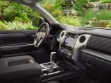 Интерьер Тойота Тундра в комплектации Platinum
