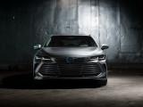 Toyota Avalon Limited вид спереди