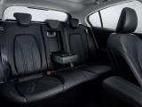 Задние сиденья с откидным подлокотником