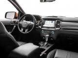 Салон Ford Ranger передняя панель
