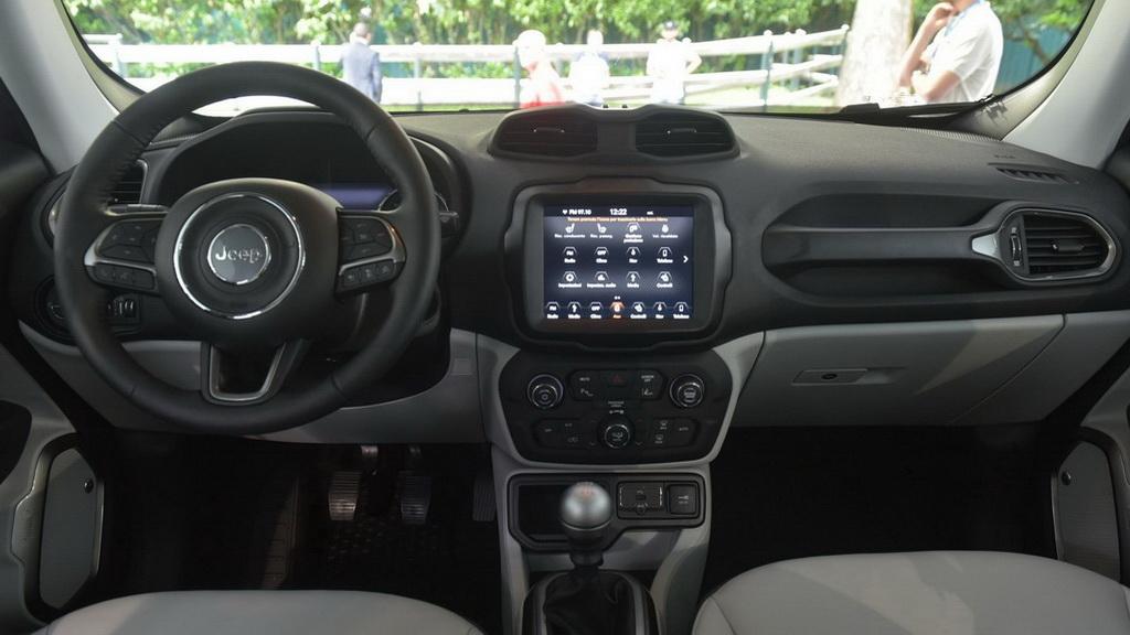 jeep-renegade-2019-3
