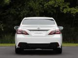 Новая Toyota Crown вид сзади