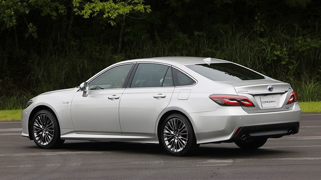 toyota-crown-2019-2