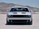 Dodge Challenger SRT Hellcat Redeye вид спереди