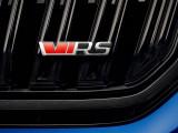 Шильдик VRS на решетке радиатора