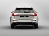 Volvo V60 Cross Country вид сзади