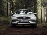Фото Volvo V60 Cross Country вид спереди