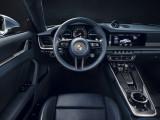 Салон нового Порше 911 руль и панель приборов
